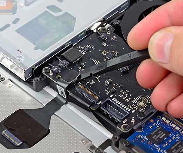 Tronix.at MacBook Reparatur Service